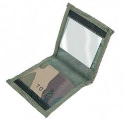 Pochette pouvant accueillir trois tubes de crème de camouflage