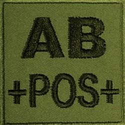 Groupe sanguin AB positif brodé sur tissu vert OD